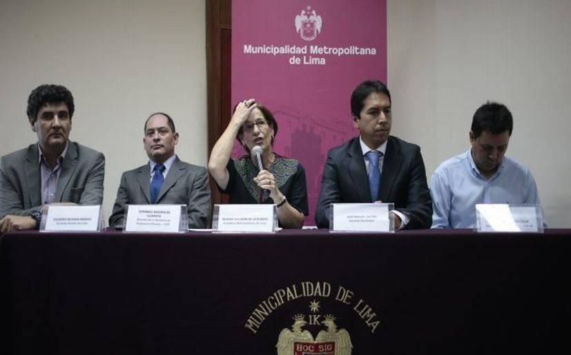 Susana Villarán cambia a gerentes municipales y nombra nuevos asesores