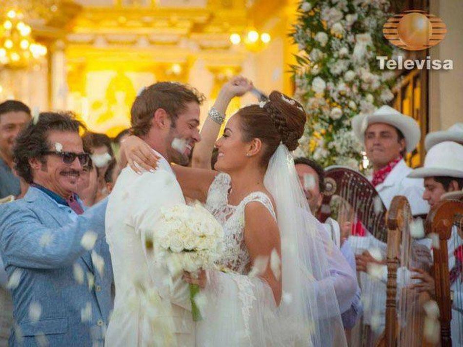 FOTOS: El romántico final de la telenovela 'La tempestad'