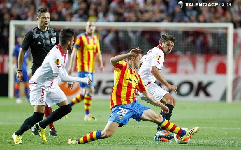 Sevilla clasificó a la final de la Europa League pese a caer 3-1 ante Valencia