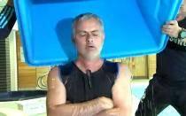 [VIDEO] José Mourinho pasó reto de campaña 'Ice Bucket Challenge'