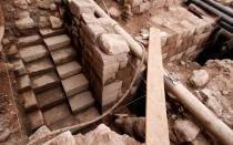 Hallan muro y escalinata de origen inca en centro histórico del Cusco