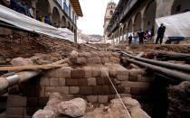 Muro incaico hallado en calle de Cusco será enterrado