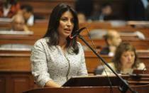Ministra de la Mujer pide verificar condiciones laborales de Corazón Serrano
