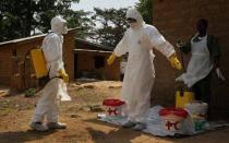 Ébola: Sierra Leona en cuarentena de tres días por epidemia