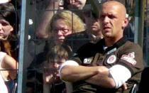 Holger Stanislawski, el DT que dejó la Bundesliga por un supermercado