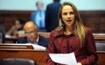 Comisión de Ética abrió investigación preliminar a Luciana León