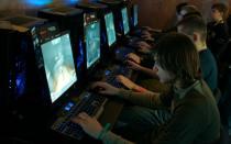 Videojuegos: Hay casi tantas mujeres 'gamers' como hombres y otros sorprendentes datos