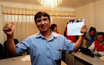 Cusco: Nuevo alcalde de Pillpinto fue elegido por sorteo de moneda