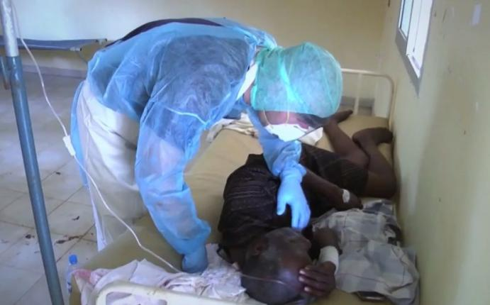 OMS: Más de 10.000 personas infectadas con ébola