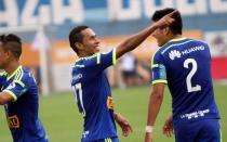 Cristal goleó 4-1 a Vallejo y es segundo en el Clausura