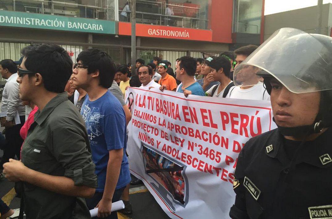 Marcha contra 'televisi�n basura': As� se desarroll� la protesta ...