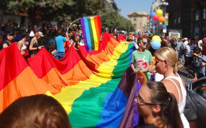 Corte Suprema de EEUU declara legal el matrimonio