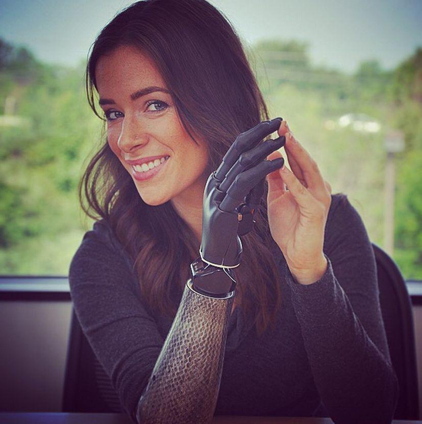 Rebekah Marine, La Modelo Biónica
