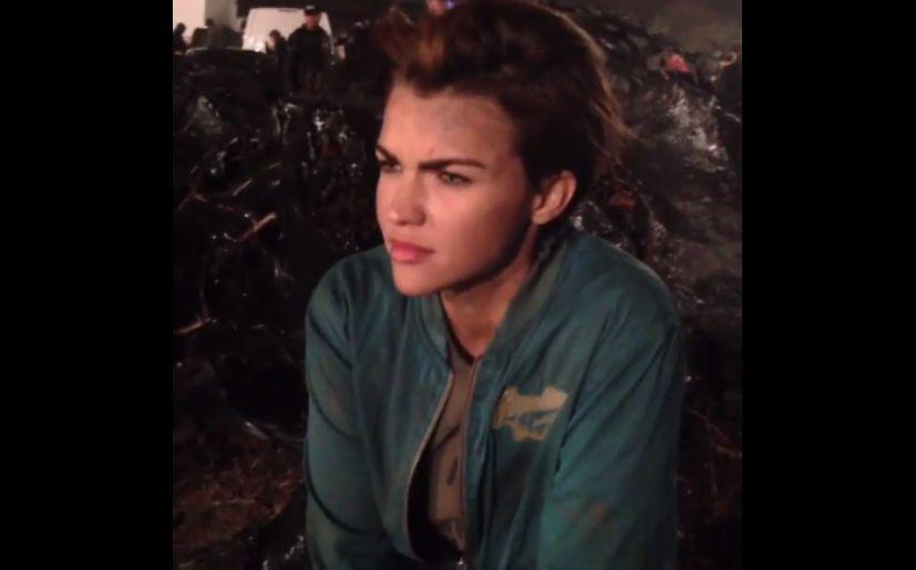 Milla Jovovich Ruby Rose Resident Evil The Final Chapter: Resident Evil: Ruby Rose Y Milla Jovovich En El Detrás De