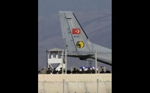 Turquía recupera cuerpo de piloto ruso en Siria tras derribo de avión | FOTOS