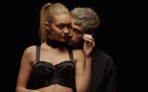 Zayn Malik: apasionados besos y abrazos con Gigi Hadid en video de 'PILLOWTALK'