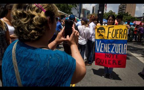 Venezuela: más de 1 millón de firmas para revocar a Nicolás Maduro