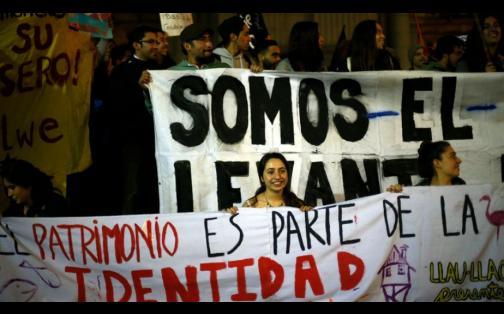 Chile: protestas en Santiago por presencia de marea roja en isla Chiloé