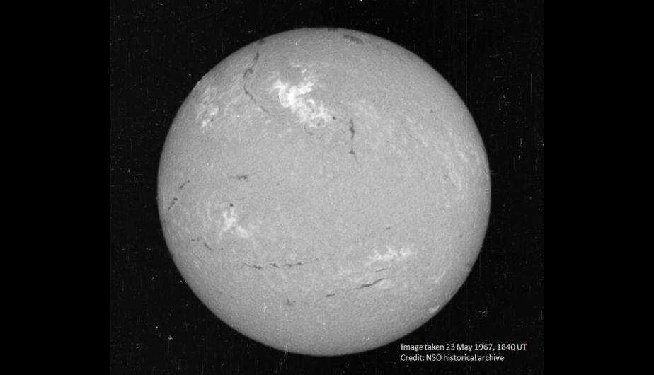 La región brillante muestra el área donde ocurrió la poderosa llamarada. (Foto: National Solar Observatory historical archive)