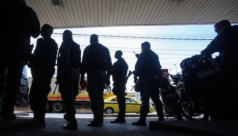 Brasil: policías y narcotraficantes libran sangrienta guerra en favelas de Río de Janeiro