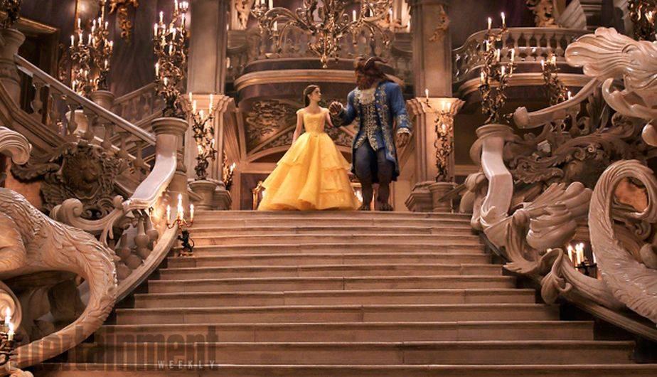 Belle y la bestia recrean el famoso baile de salón de la película de 1991 (Foto: Disney)