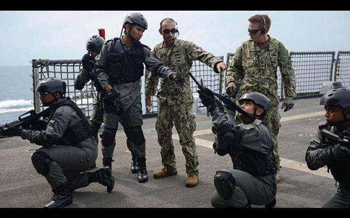 militar gay prostitutas peru