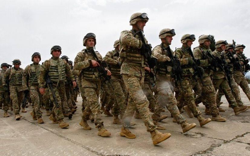 """42651 - Clinton: """"Modernización del ejército será inminente"""""""