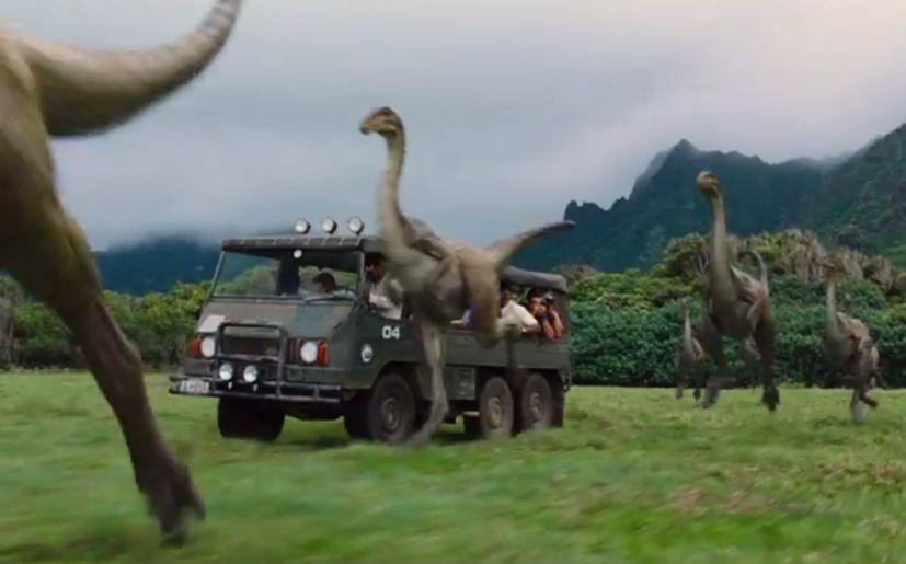 Jurassic world abre sus puertas en nuevo teaser con for Puerta jurassic world
