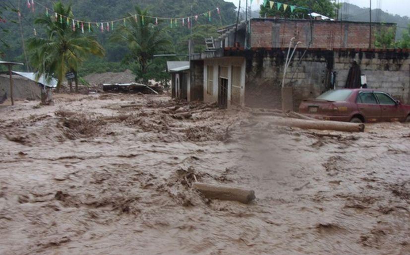 90398 - Lluvias en Perú dejan 1.000 familias damnificadas