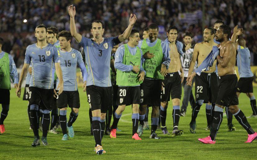 Seleção uruguaia doa dinheiro a atletas que estão sem receber na 2ª Divisão 428114805eb4d
