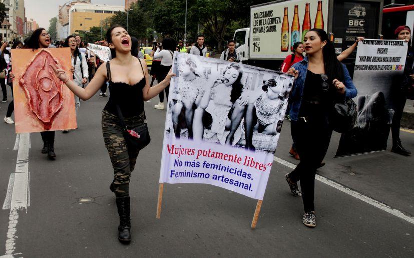 videos putas de colombia follando