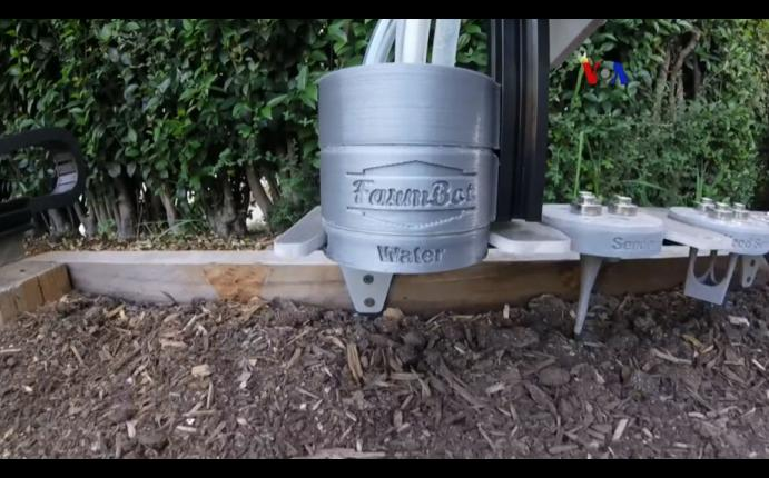 Crean robot jardinero para cultivar alimentos propios en for Jardinero en casa