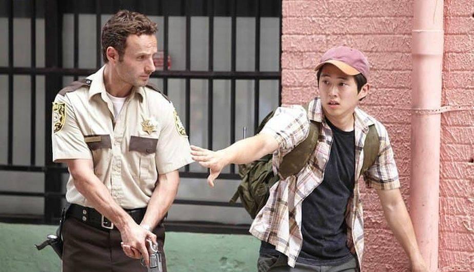 Andrew Lincoln es Rick y Steven Yeun es Glenn en 'The Walking Dead' (Foto: AMC)