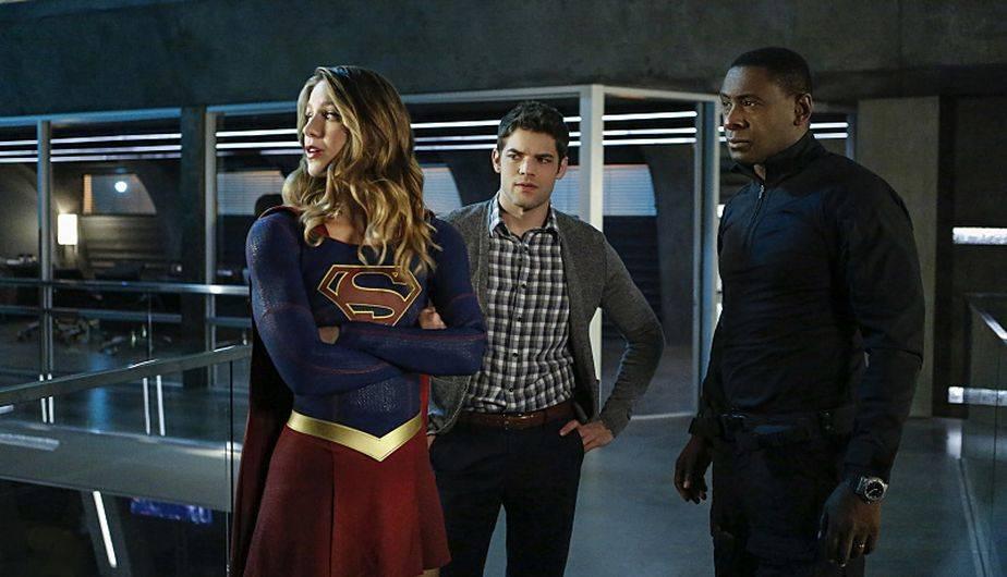 Supergirl 2x08 Así Fue La Colorida Llegada De The Flash Y Cisco A National City Por Crossover Arrow Legends Of Tomorrow Tv Espectáculos La Prensa Peru