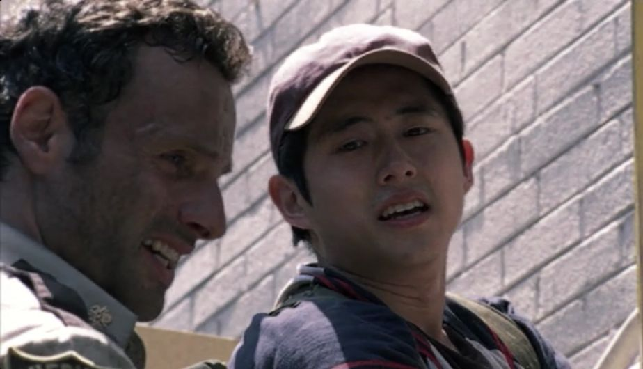 Andrew Lincoln es Rick y Steven Yeun es Glenn en 'The Walking Dead' (Foto: AMC)