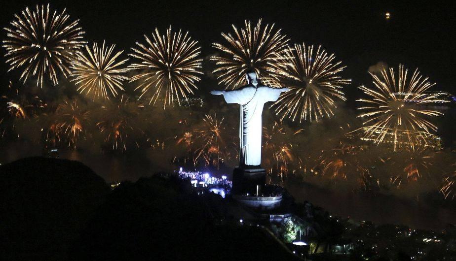 Ano Nuevo 2017 El Mundo Celebra Con Fuegos Artificiales Y Mucha