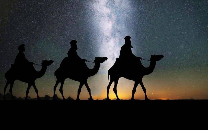 Reyes Magos en camello resina 20 cm