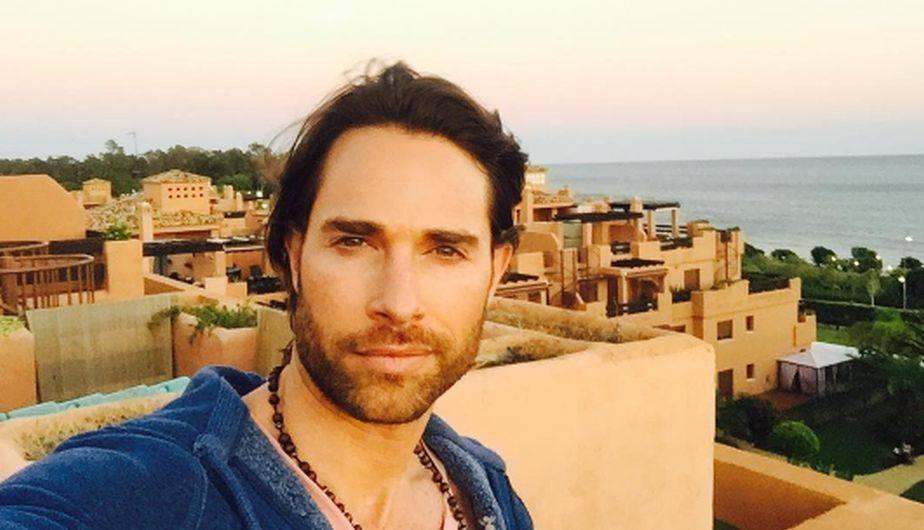 Sebastián Rulli hace un alto a sus vacaciones con ...