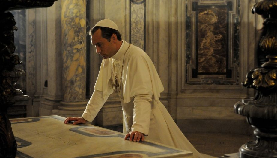 The Young Pope 1x01
