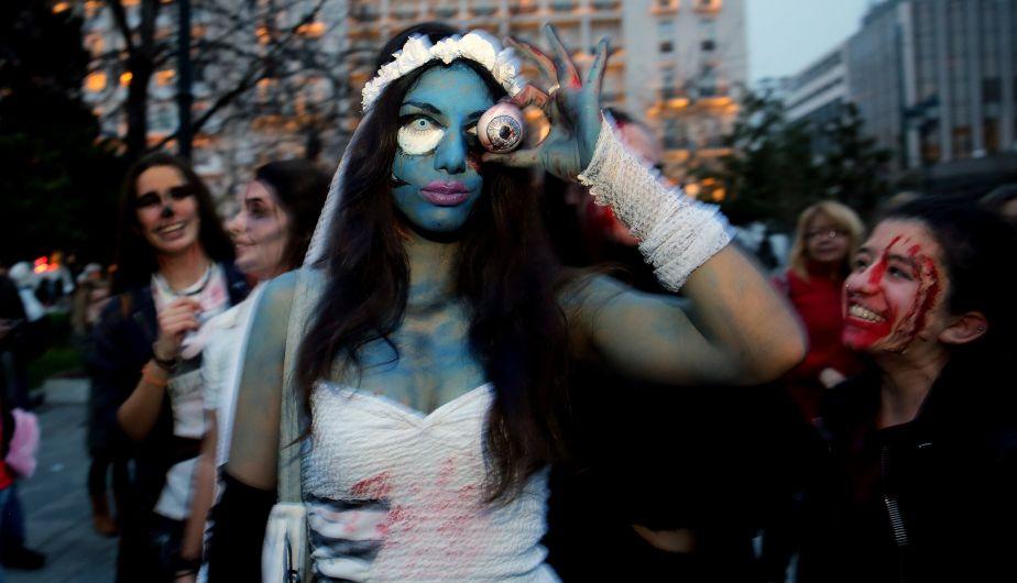 Así se desarrolló la marcha de los zombis en Atenas, capital de Grecia (EFE)