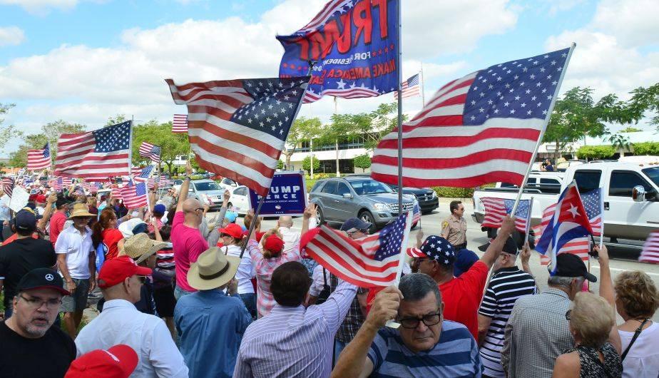 Cientos salieron a marchar en distintos puntos de USA para apoyar a Trump (Foto: EFE)
