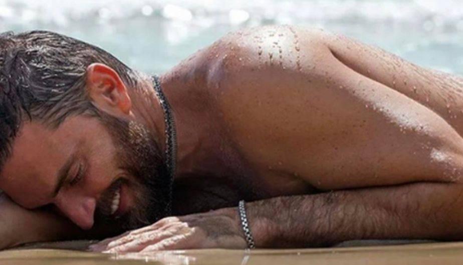 El actor Julián Gil es parte de una campaña publicitaria que ha dejado a más de uno impresionado con sensualidad. (Foto: Instagram)