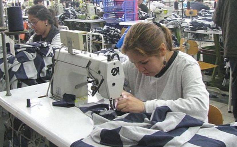 Resultado de imagen de trabajo de mujeres en peru