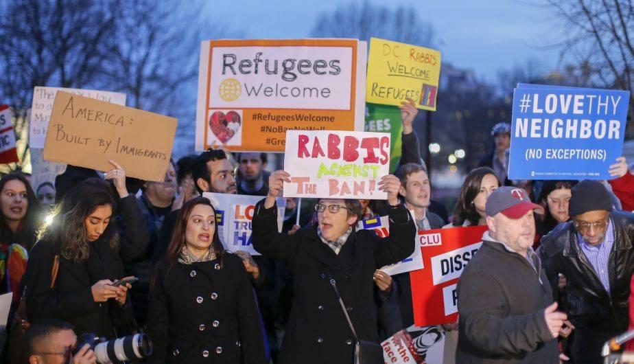 Las protestas frente a la Casa Blanca no se hicieron esperar por la segunda orden ejecutiva contra inmigrantes y refugiados firmada por Donald Trump (EFE)