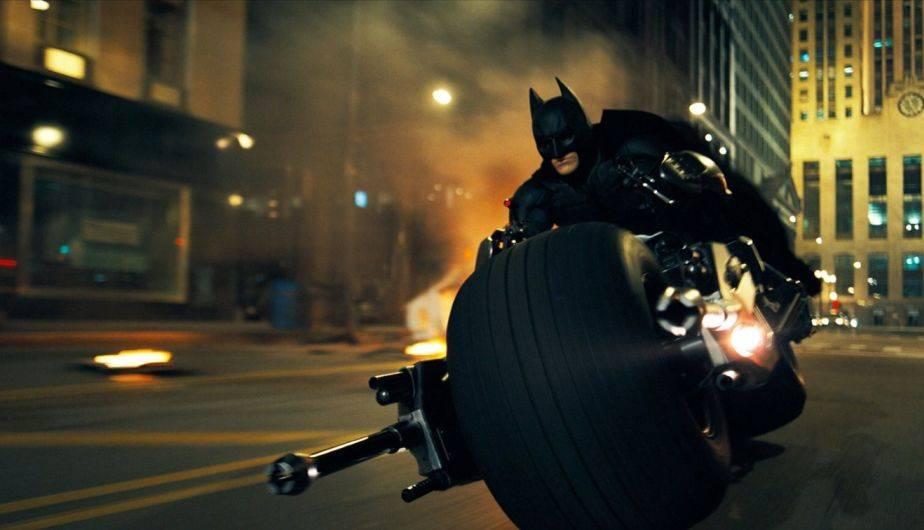 Una de las escenas épicas de 'The Dark Knight' es la proagonizada por Batman, Rachel, y el Joker (Foto: Warner Bros.)