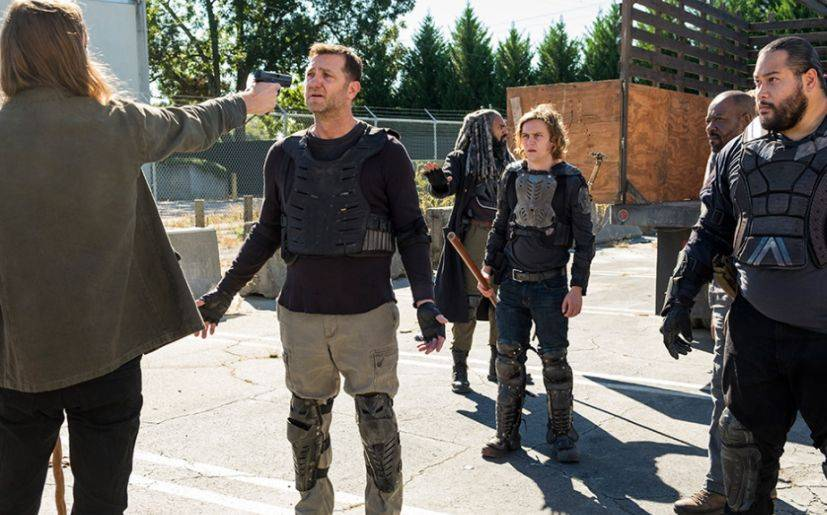 Benjamin se convirtió en la nueva víctima de los 'saviors' (Foto: The Walking Dead / AMC)