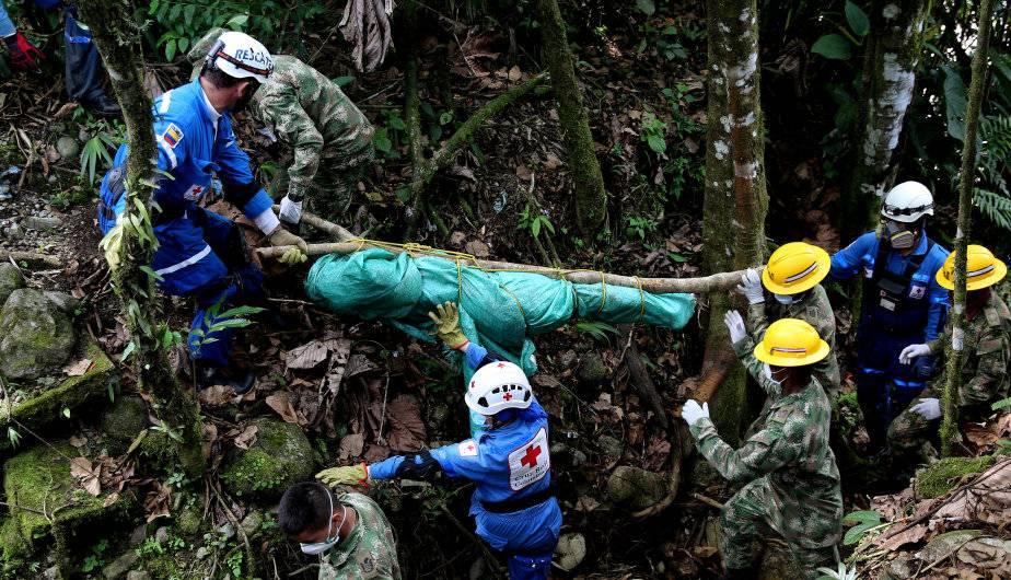 El presidente Juan Manuel Santos indicó que hasta el momento son 273 muertos. (Foto: EFE)