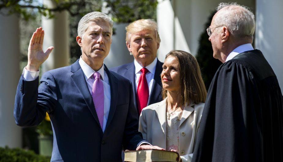 Neil Gorsuch juró el lunes como nuevo juez del Tribunal Supremo de Estados Unidos (EFE)