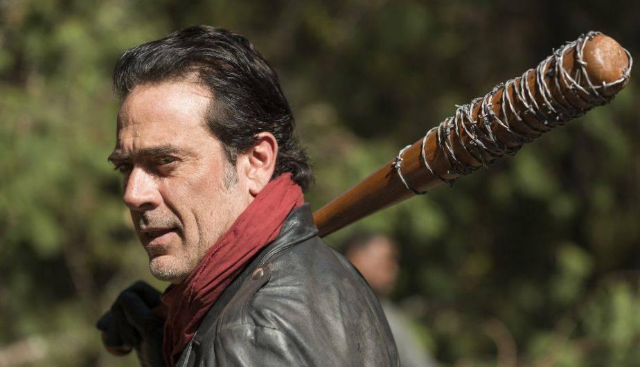 ¿El pañuelo rojo que a veces usa Negan tiene un significado especial? (Foto: The Walking Dead / AMC)