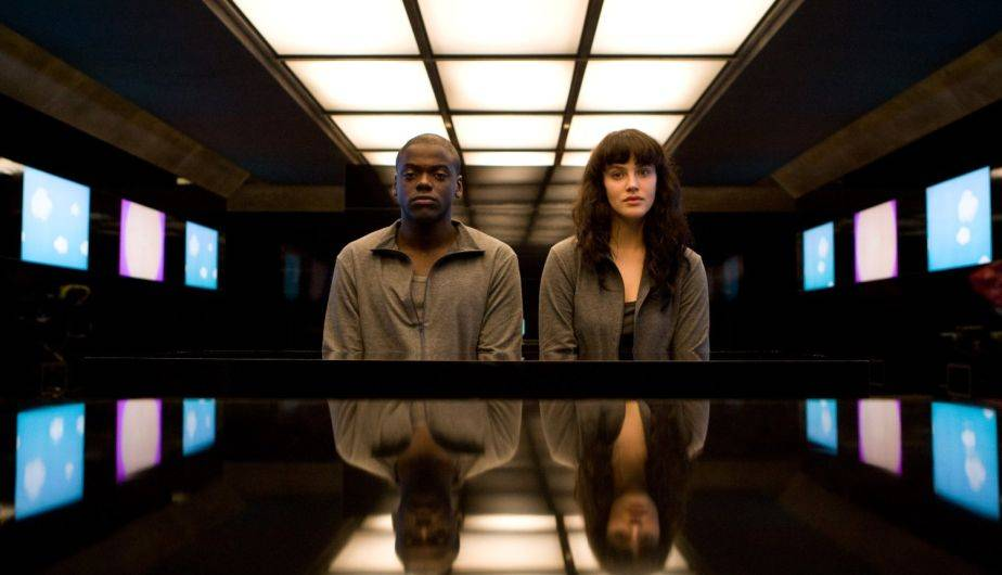 'Fifty Million Merits', segundo episodio de la primera temporada de 'Black Mirror', será recreado en una exposición de arte (Foto: Netflix)
